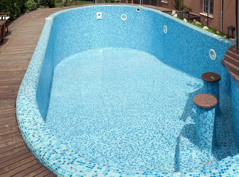 swimming pool without water
